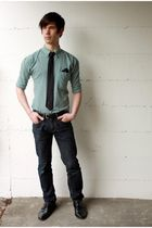 black Guess tie - green thrifted shirt - black DIY accessories - blue H&M jeans