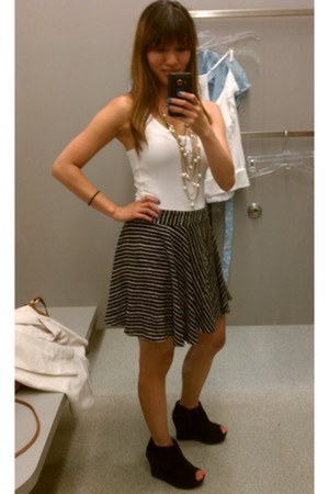 skirt Forever 21 skirt skirt - shoes forever 21 shoes wedges - necklace LA Bouti