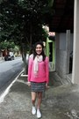 Off-white-converse-shoes-bubble-gum-gina-tricot-sweater-black-c-a-skirt