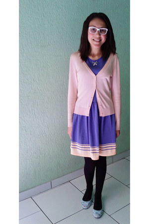 cardigan - dress - glasses - sneakers