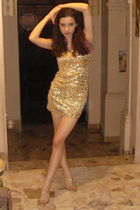 gold dress - gold Newport News shoes