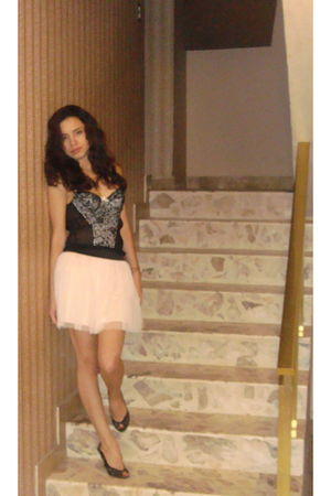black Forever 21 intimate - pink Charlotte Russe skirt - black Steve Madden shoe