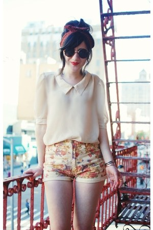 cream blouse - peach shorts - black sunglasses