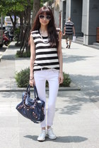 navy bag - white pants - black top
