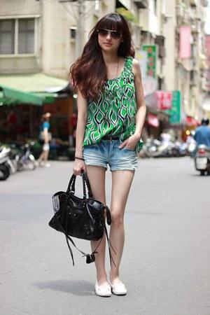 green top - black bag - white flats