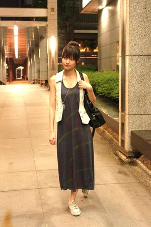 white converse shoes - navy dress - black bag - light blue vest