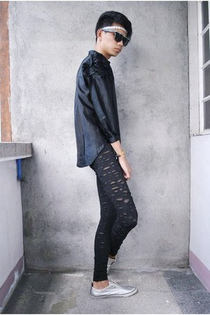 black Forever 21 leggings - silver WADE shoes - black Vinatge shirt