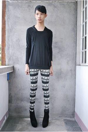 black Soule Phenomenon boots - black thrifted leggings