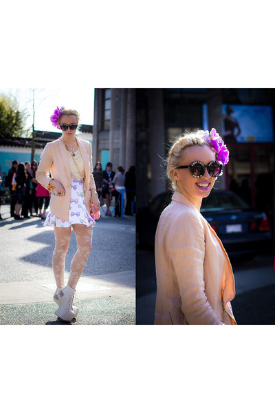 bubble gum H&M blazer - black zeroUV sunglasses - ivory Foxtale Designs skirt