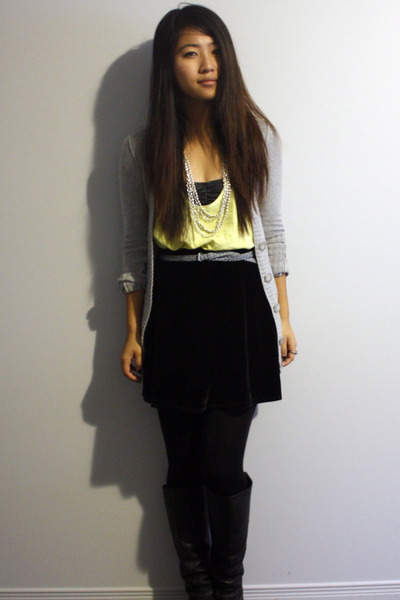 wilfred top - BCBG skirt - f21 belt - Steve Madden boots