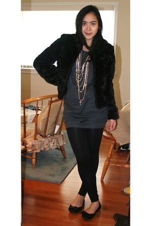 black H&M jacket - gray Zara dress - black roberto vianni shoes - gold Aldo acce