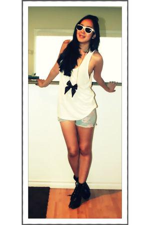 white American Apparel top - blue DIY shorts - black Zara accessories - white Ur