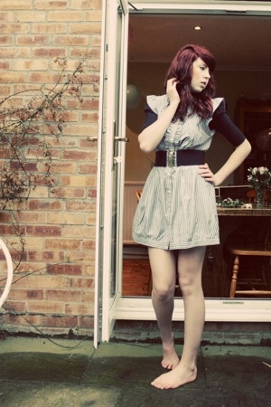 desire brick land dress - H&M belt - River Island shirt