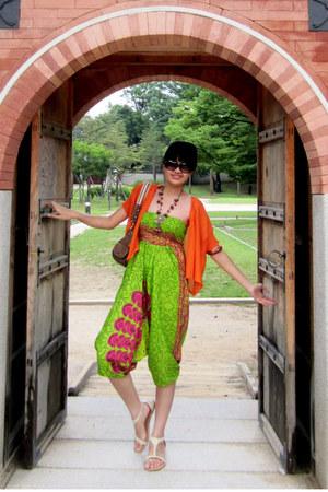 camel Guess bag - off white rubi sandals - carrot orange orange cardi cardigan