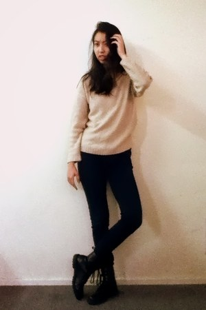 chicabooti sweater - H&M boots - Uniqlo jeans