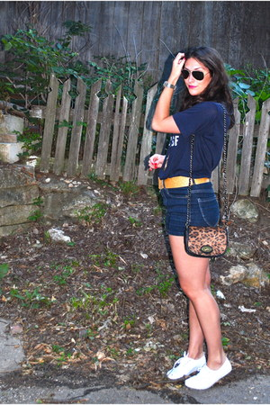 burnt orange leopard print Forever21 purse - navy high waisted Forever21 shorts