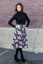 midi vintage skirt - turtleneck black shirt