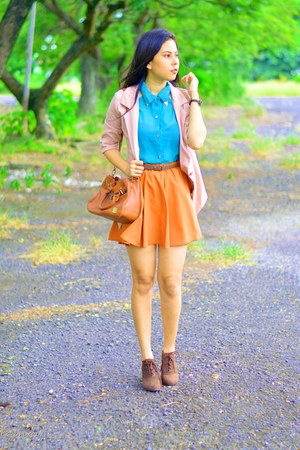 burnt orange skater skirt thrifted skirt - dark brown boots chelsea shoes
