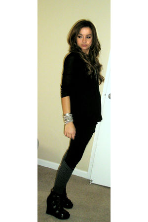 black Forever 21 top - black Forever 21 leggings - gray Forever 21 socks - black