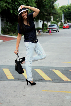 periwinkle Zara jeans - off white thrifted hat - black Gucci bag - black heels -