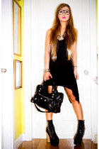 black DAS boots - black Oxygen dress - black balenciaga bag