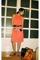 Zara dress - Moms Collection belt - T-Studio shoes - Hermes scarf