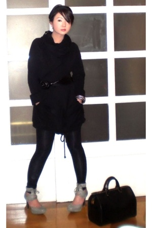 black Ryn sweater - gray Topshop shoes - black opaque Zara jeans
