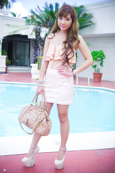 neutral Posh Wardrobe top - peach Forever 21 skirt