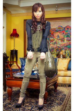 army green military skinny Topshop jeans - black knit Zara sweater
