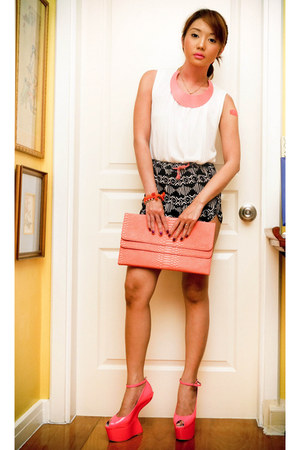 hot pink Leviathan accessories - white Mango shirt - salmon GOLD COUTURE bag