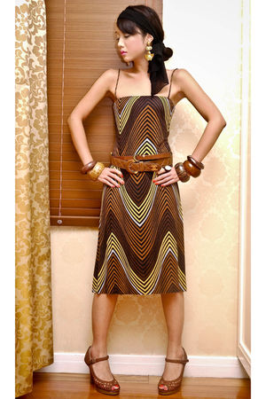 brown graphic print Zara dress - brown Nine West shoes
