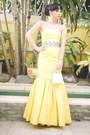 Yellow-glitterati-dress-silver-bally-purse-silver-glitterati-belt