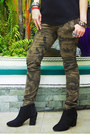 Black-zara-boots-black-chanel-bag-army-green-zara-pants-black-zara-top