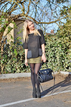 gold mini skirt Topshop skirt - black chelsea boots asos boots