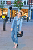 black leather Guess bag - blue dungarees Topshop jeans
