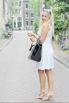 black leather shopper Zara bag - white 80s shift dress vintage dress