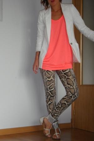 Zara blazer - H&M t-shirt - Zara pants - hakei shoes