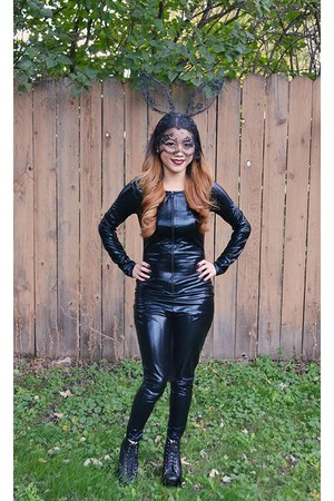 black korea boots - black Wet Seal bodysuit - black DIY hair accessory