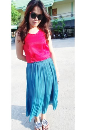 turquoise blue skirt - black glasses - red top