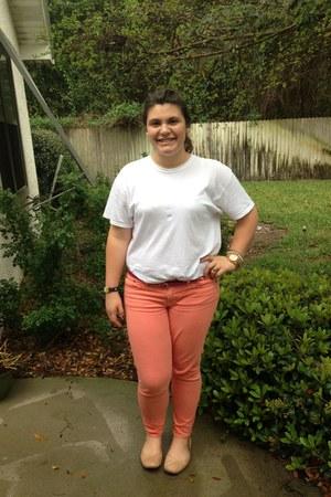 peach J Crew jeans - white shirt - beige Lucky Brand flats