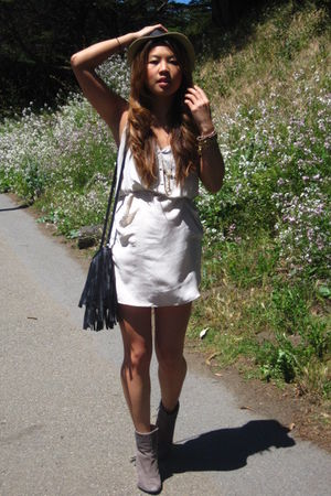 Aritzia dress - Reiss boots - thrift purse - Bebe hat