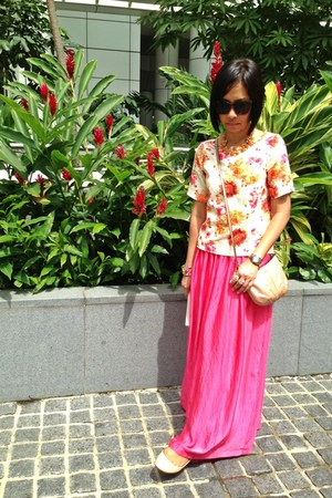 salmon Mango skirt - nude coach bag - brown no brand sunglasses