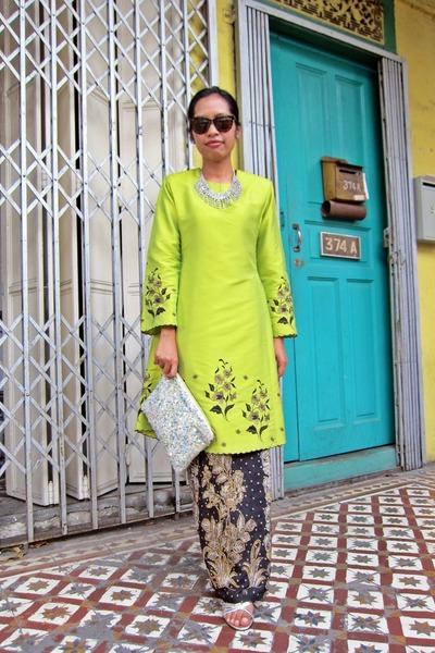 Manja dress - clutch glitter Zara bag - no brand sunglasses - Metro heels