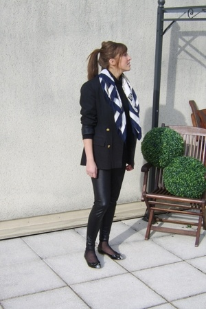 vintage blazer - no brand leggings - Marc by Marc Jacobs shoes
