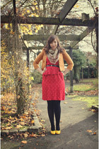 yellow patent Ebay pumps - red vintage dress - tawny Primark jacket