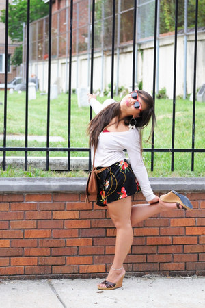 f21 sweater - vintage shorts - vintage Foster Grants sunglasses - bandeau Americ