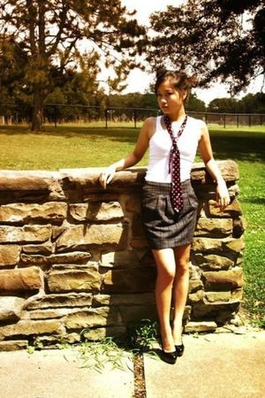 white Mossimo shirt - pink Wet Seal tie - gray Forever 21 skirt - black Charlott
