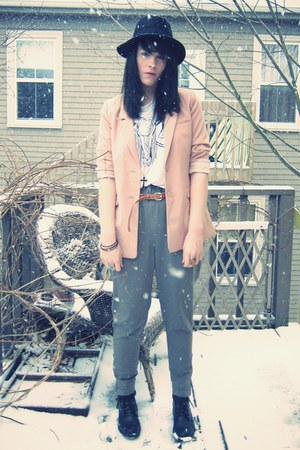 black wide-brim H&M hat - pink boyfriend H&M blazer - white printed Aritzia shir