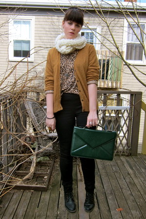 black skinny H&M jeans - gold leopard print thrifted shirt - forest green snakes
