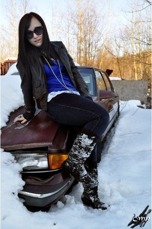 black H&M jacket - black Ross boots - black jeans - blue Forever 21 t-shirt - bl